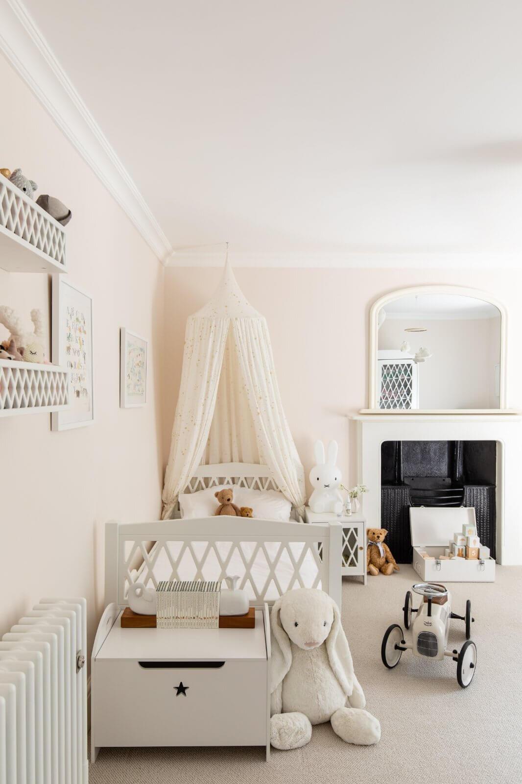 serene-townhouse-bath-childrens-room-gainsborough-nordroom