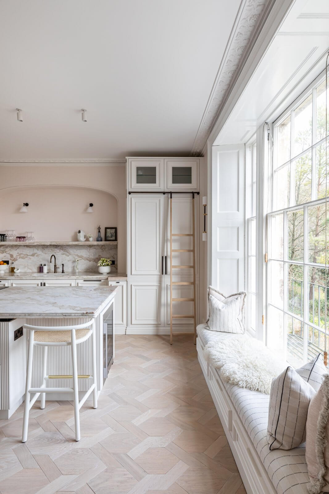 serene-townhouse-bath-kitchen-gainsborough-nordroom