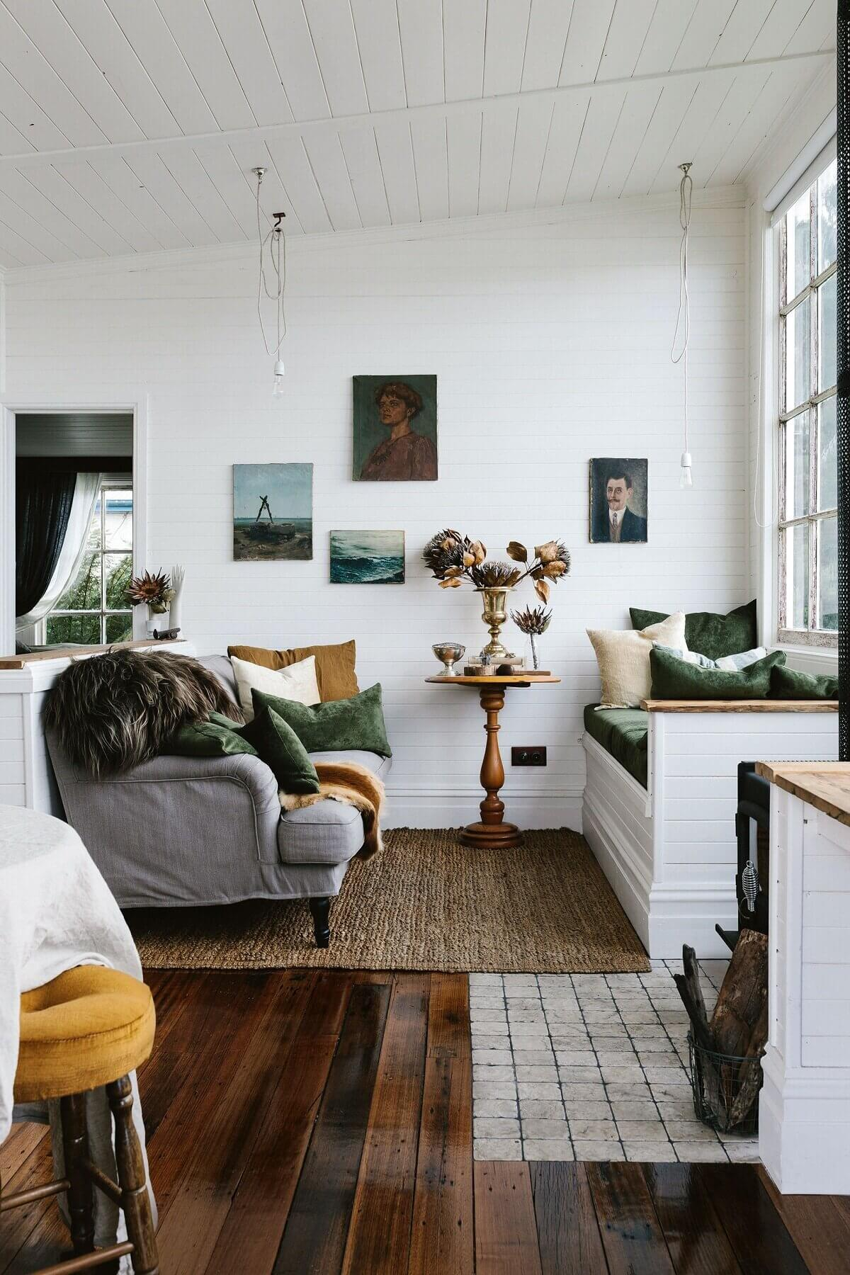 captains-rest-vintage-window-seat-stylish-holiday-cottages-tasmania-the-nordroom